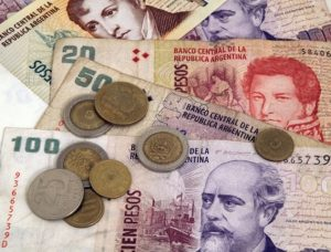 what are the methods to pay online with argentine pesos