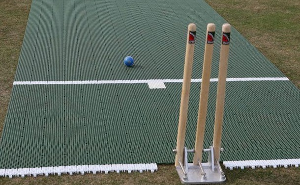 Does the surface make a difference in a cricket game?